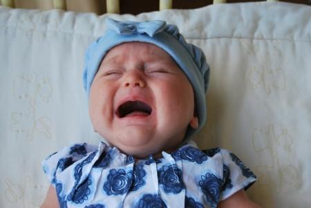 Zakaj moj dojenček ponoči ne spi?